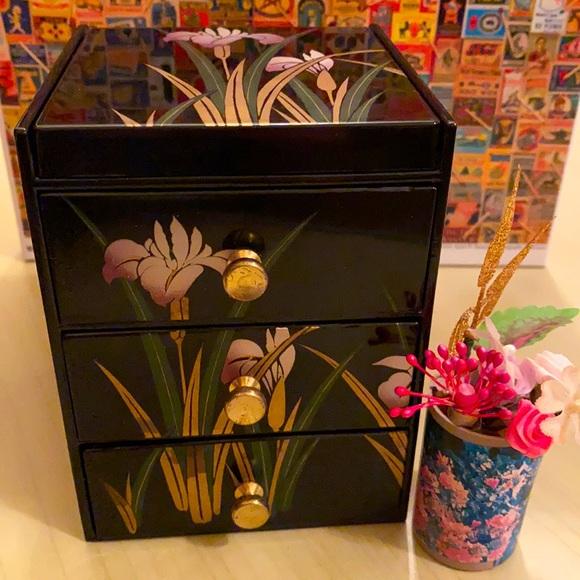 Japanese drawer/organizer